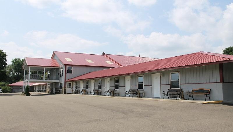 Golden Knight Inn Amp Suites Watkins Glen Lodging