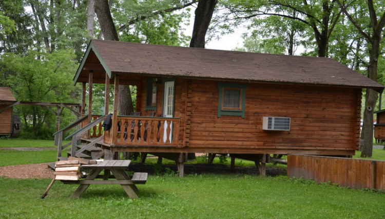 Catharine cottages watkins glen lodging for Cabin rentals vicino a watkins glen ny