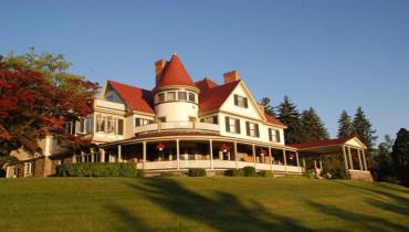 Idlwilde Inn on Hill