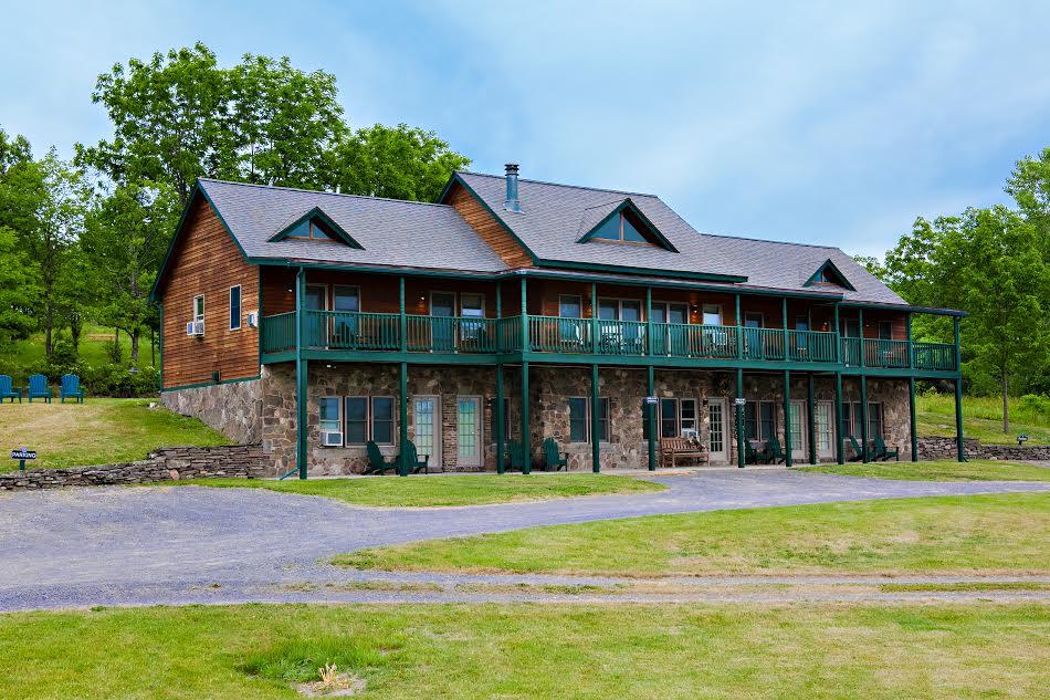 The Inn At Grist Iron Watkins Glen Lodging