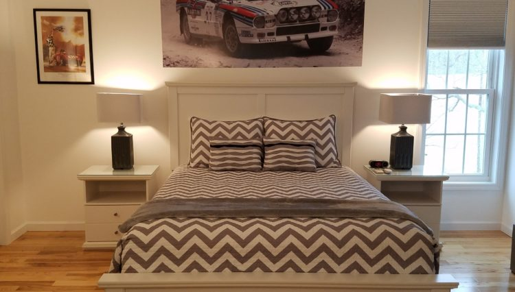Apex Inn race themed bedroom 2